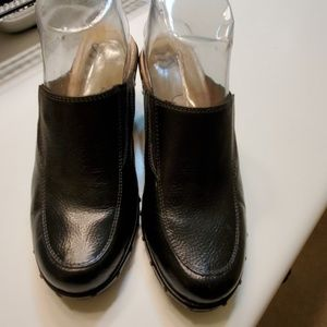Sofft Shoes - Sofft Leather mules clogs black sz 7.5
